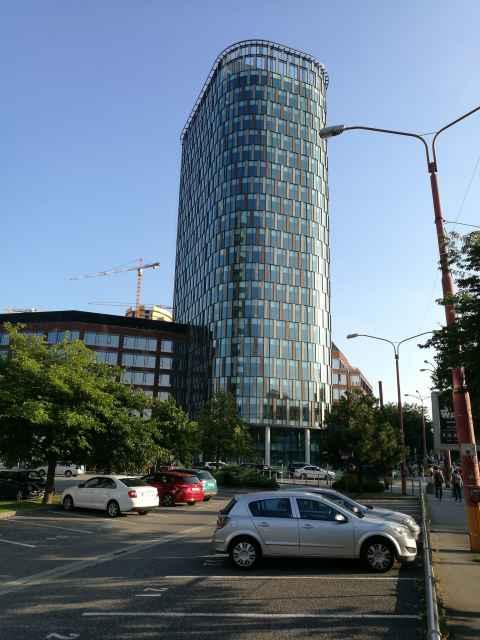 Twin City Bratislava - fasáda - perfolinea.cz